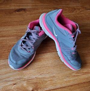 Nike shoes💗